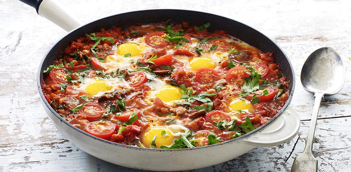 Shakshuka (Pan baked eggs)